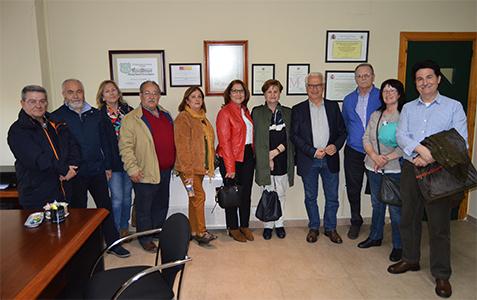 estudiantes y profesores de UNED Senior del Aula de Torrijos en el Centro Asociado de Talavera de la Reina. UNED Talavera de la Reina